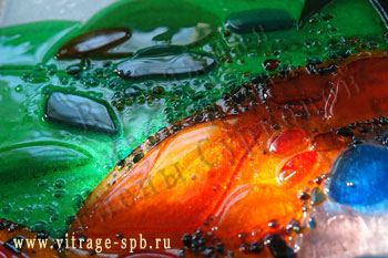 Sintering of colored glass. Fusing.